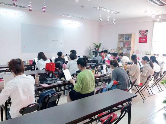 上海美容师培训学校的优势有哪些